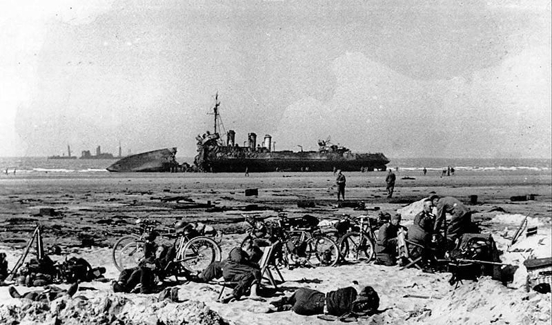 подорваный французский эсминец в Тулоне