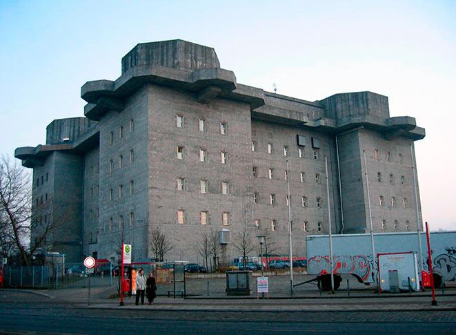 Бывшая башня ПВО в Гамбурге.