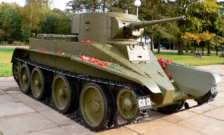 Не только в СССР баловались с «танками Кристи» - покупали их и британцы и поляки и те же немцы