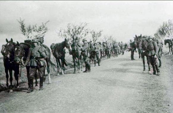 Вполне обычная картина для начального периода Второй Мировой - конница вермахта