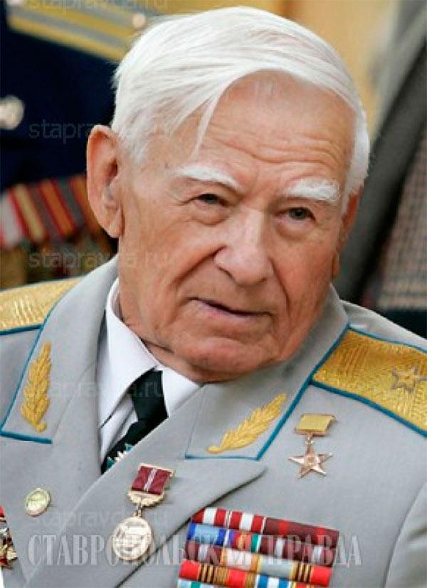 Генерал-майор авиации Николай Герасимович Голодников
