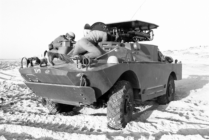 9П122 — боевая машина ПТРК 9К11М «Малютка-М» (шасси ГАЗ-41-02).