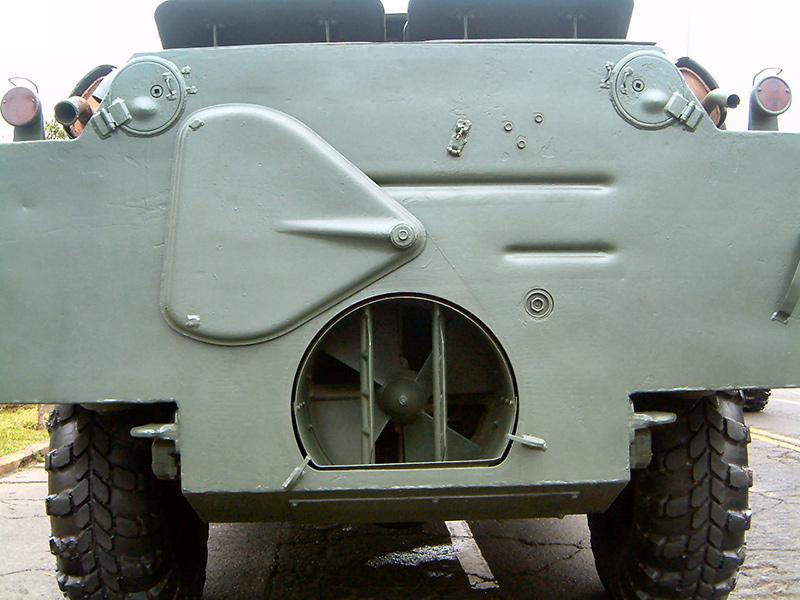 Водомётный движитель установлен в кормовой части машины
