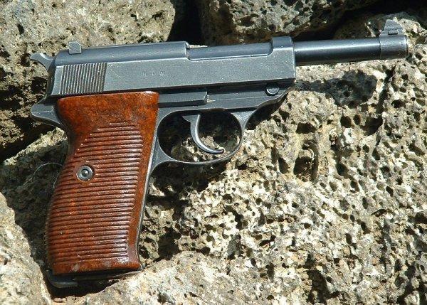 Walther P.38 «byf 43», производства Mauser-Werke A. G.