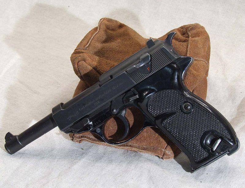 Пистолет Вальтер П38 выпуска 1942 г.
