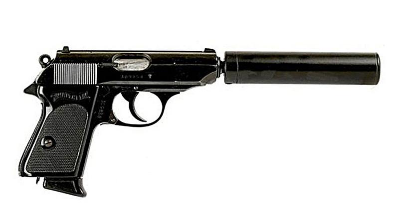 Пистолет Вальтер ППК послевоенного выпуска с глушителем