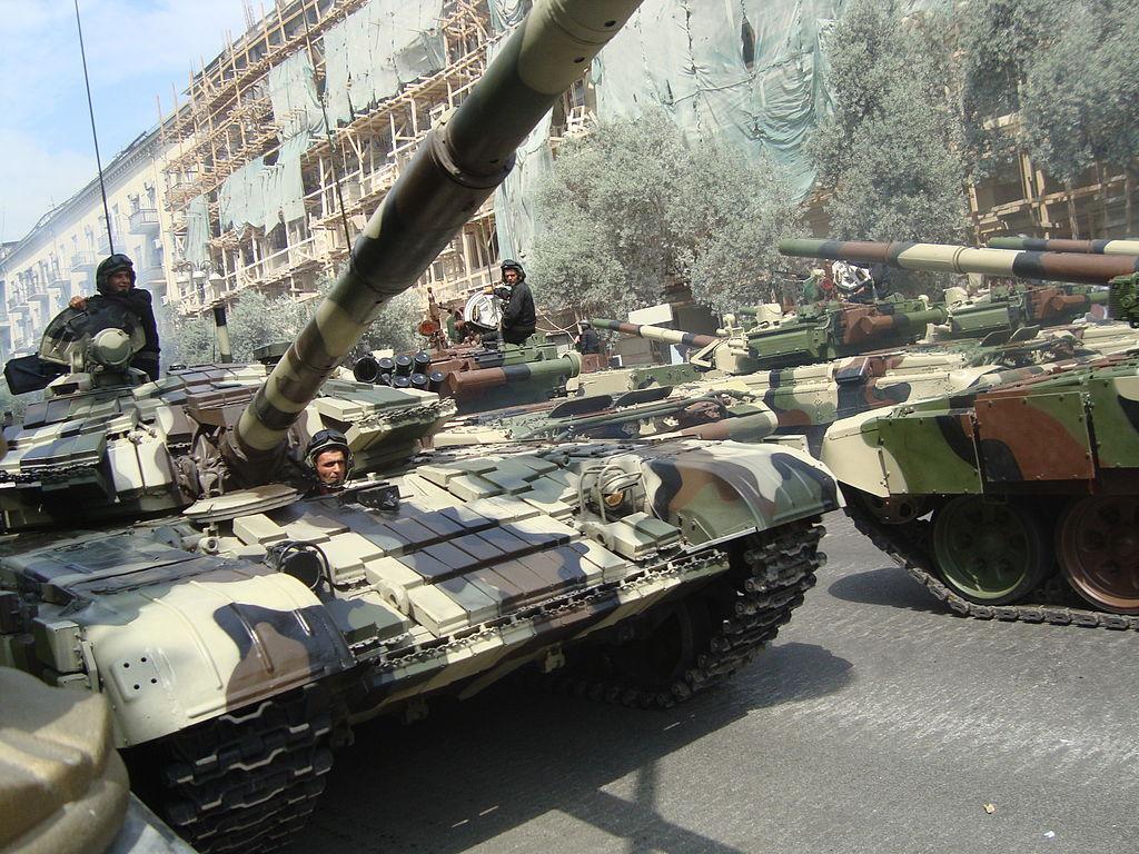 Т-72 Aslan на военном параде 2013 года в Баку