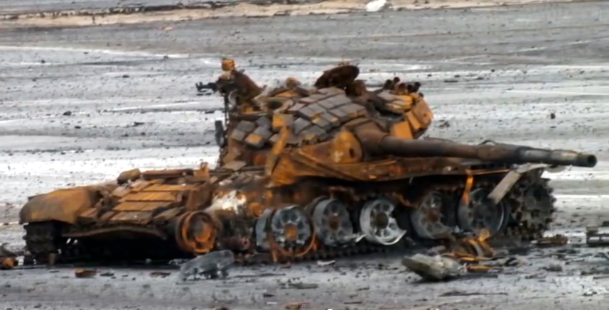 Уничтоженный Т-72Б у Донецкого аэропорта