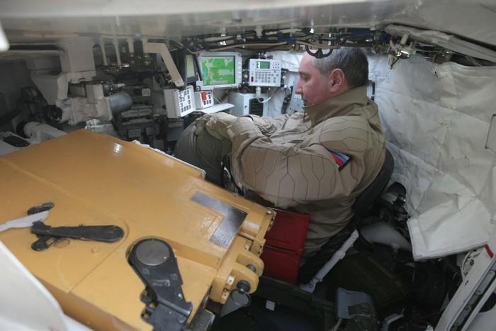 Внутри танка Т-90МС
