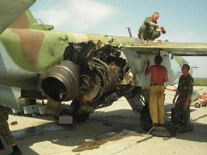 СУ-25 'Грач' бронированный дозвуковой штурмовик