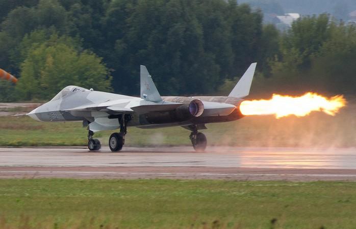 Помпаж Су-57 на авиасалоне МАКС-2011