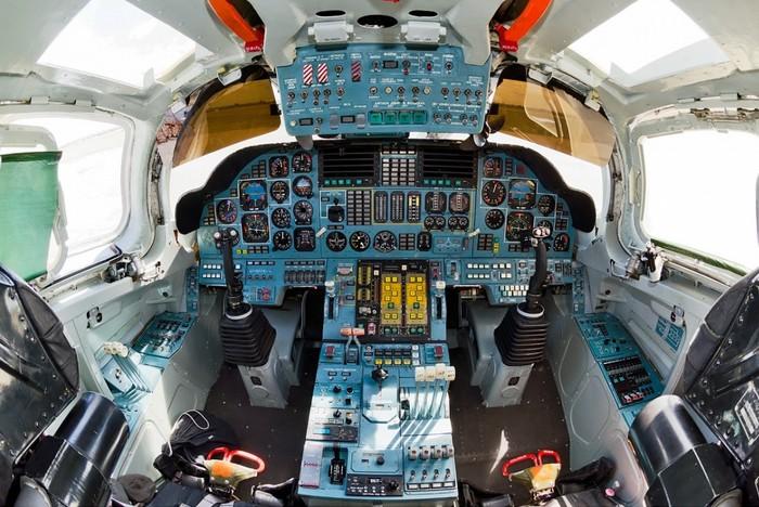 Кабина пилотов Ту-160