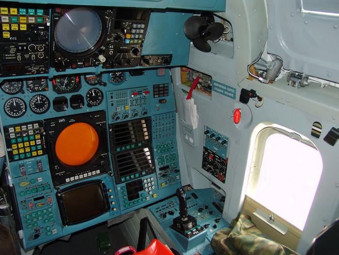 Место правого штурмана Ту-160