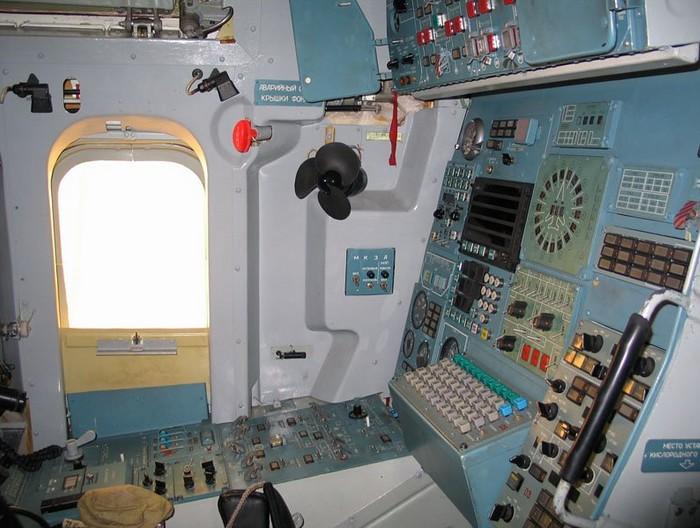 Место левого штурмана Ту-160