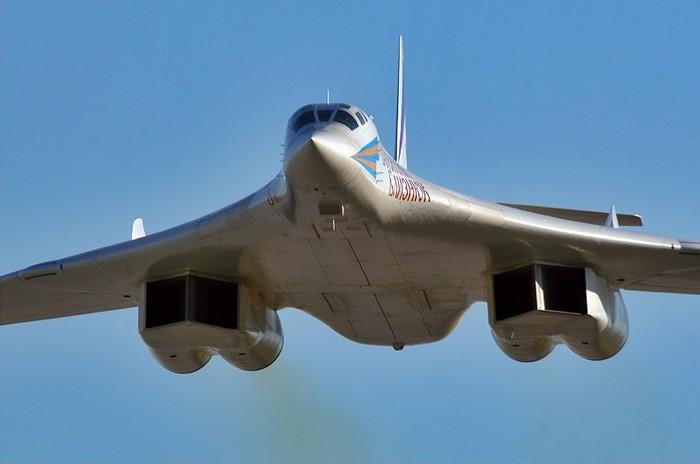 Ту-160 'Белый лебедь' стратегический ракетоносец-бомбардировщик