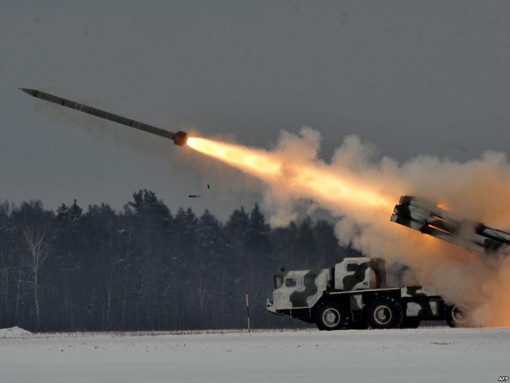 РСЗО 9К58 'Смерч' - реактивная система залпового огня калибр 300-мм