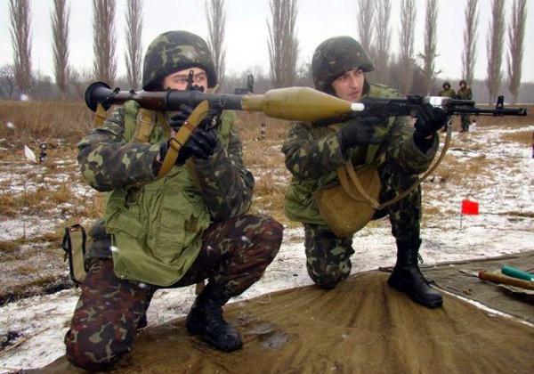 Ручной противотанковый гранатомет РПГ 7