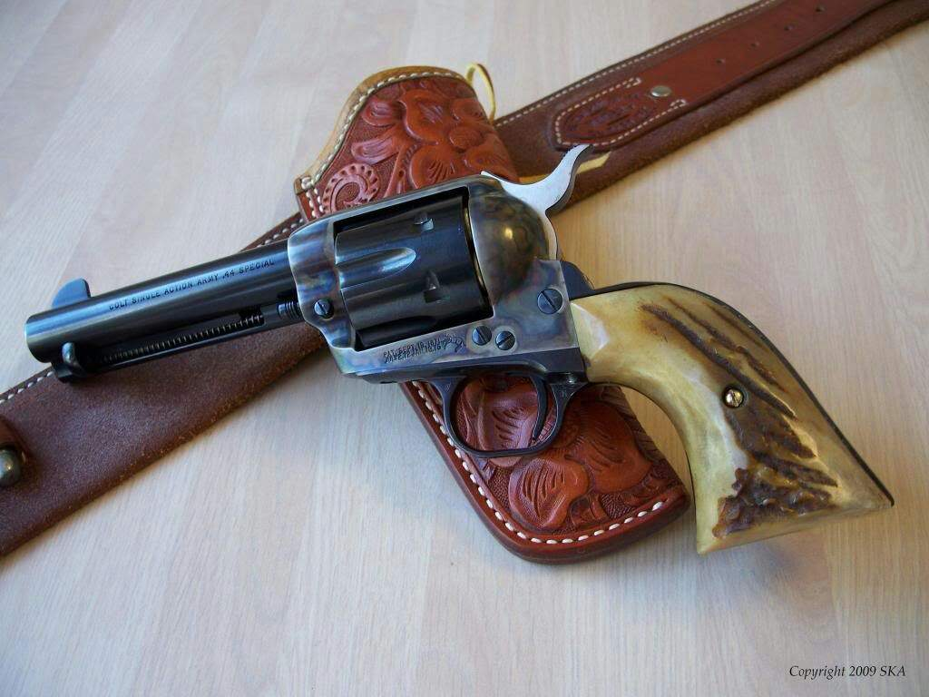 Револьвер Кольт Сингл Экшн Арми (SAA) Миротворец