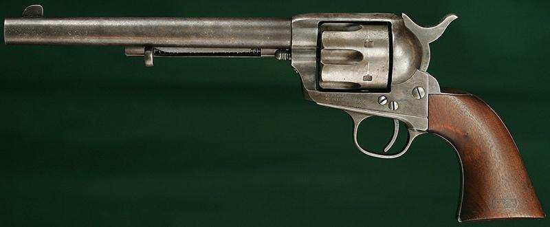 Первое поколение <a href='https://arsenal-info.ru/b/book/4108361891/82' target='_blank'>Colt Single Action Army</a> 1873 года, армейская модель (кавалерийский) со стволом 7,5', .45LC
