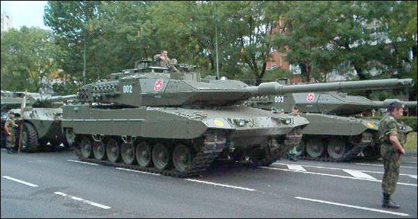 Основной немецкий танк Леопард 2А6