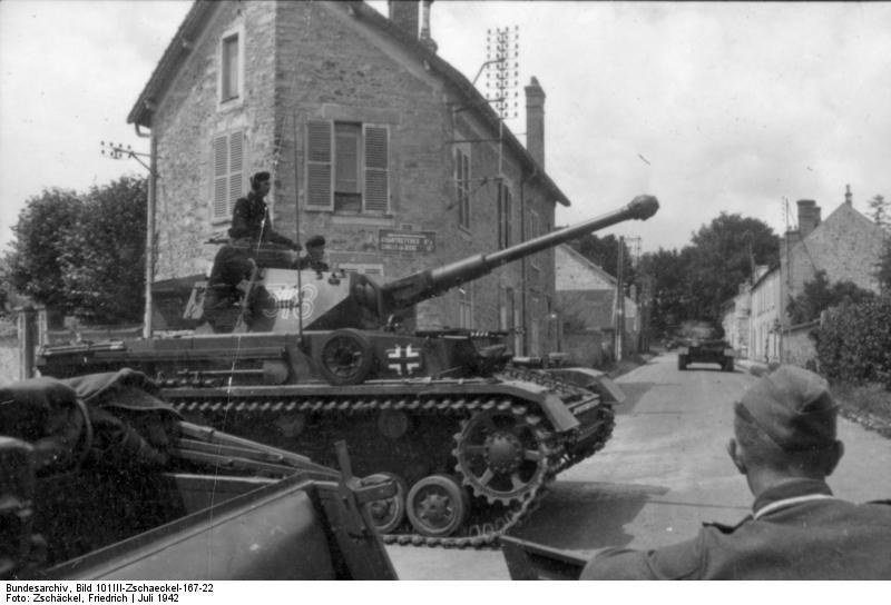 Танк Pz.Kpfw.IV Ausf.F2. Франция, июль 1942 года.