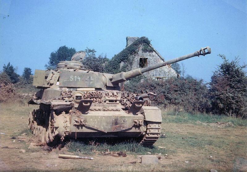 Немецкий танк Pz.Kpfw. IV Ausf. H учебной танковой дивизии (Panzer-Lehr-Division), подбитый в Нормандии