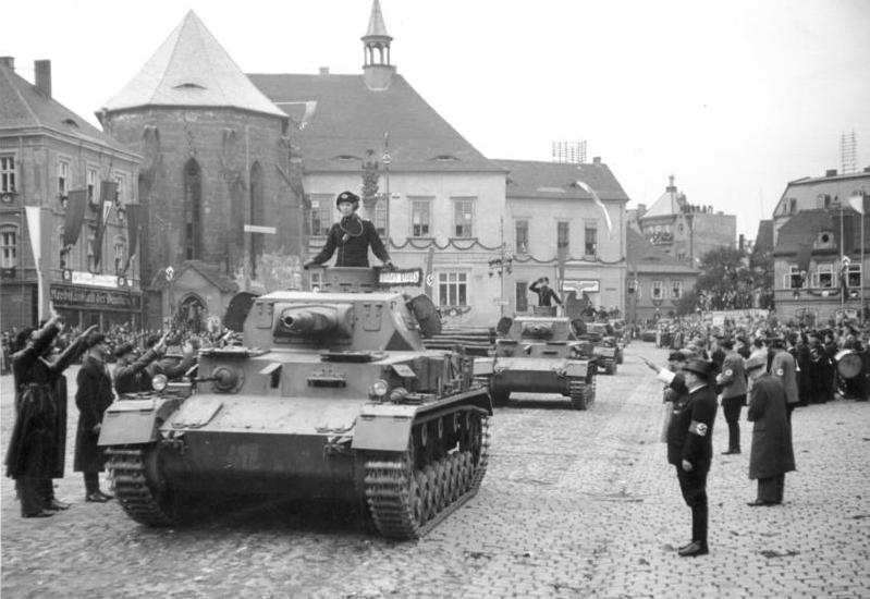 Танк Pz.Kpfw.IV Ausf.A на параде, 1938 год.