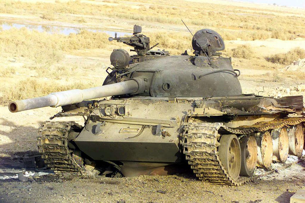 Подбитый Иракский Т-62