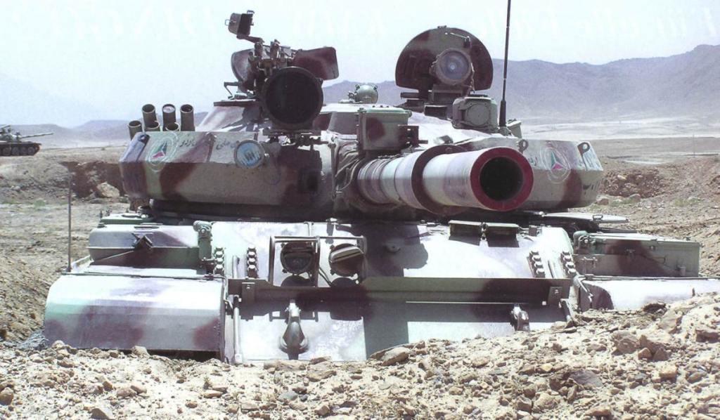 Т-62 с броневыми экранами на башне