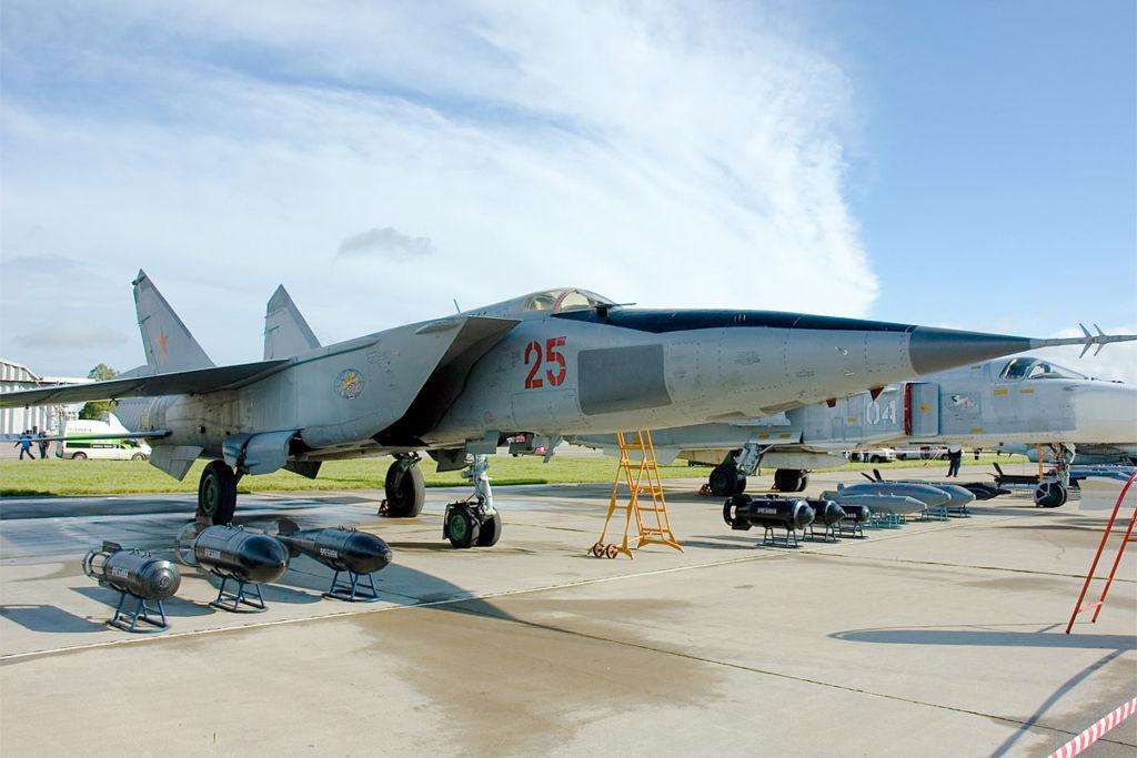 МиГ-25РБС