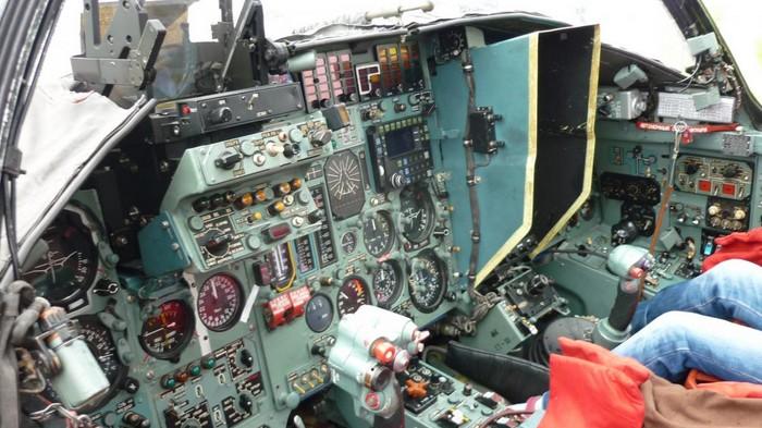 Кабина пилотов Су-24М2