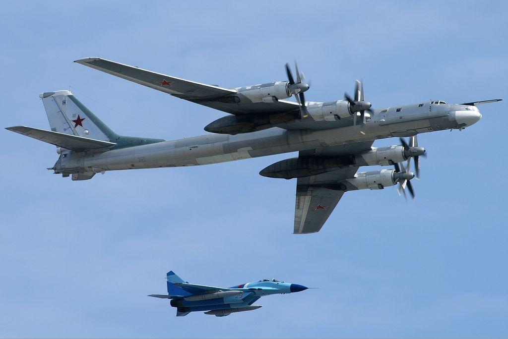 Ту-95МС и МиГ-29