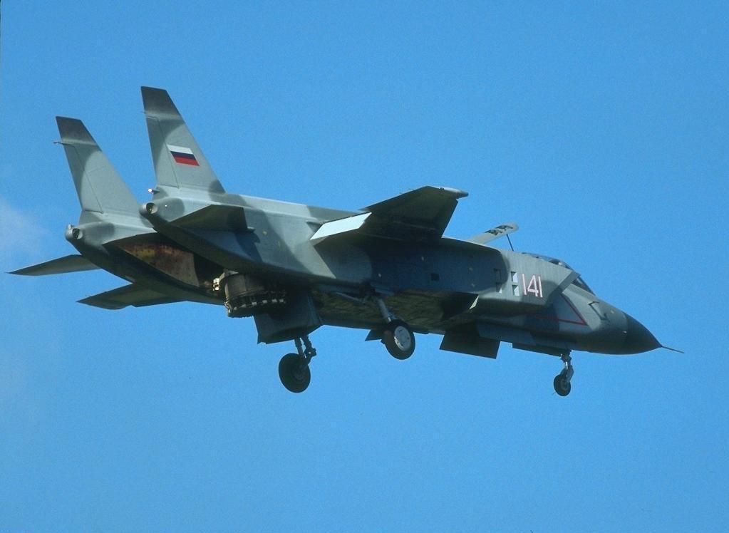 Як-141 - взлёт вертикальный