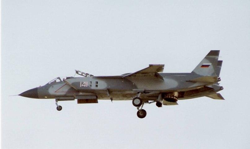 Як-141 - вертикальное движение