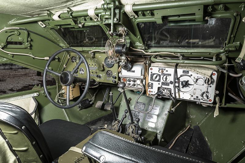 Внутри БТР-40