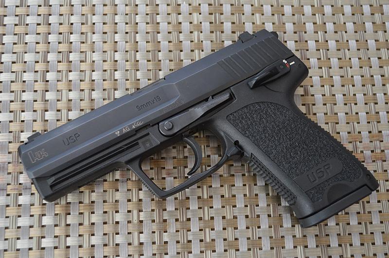 Пистолет HK USP калибра 9 мм