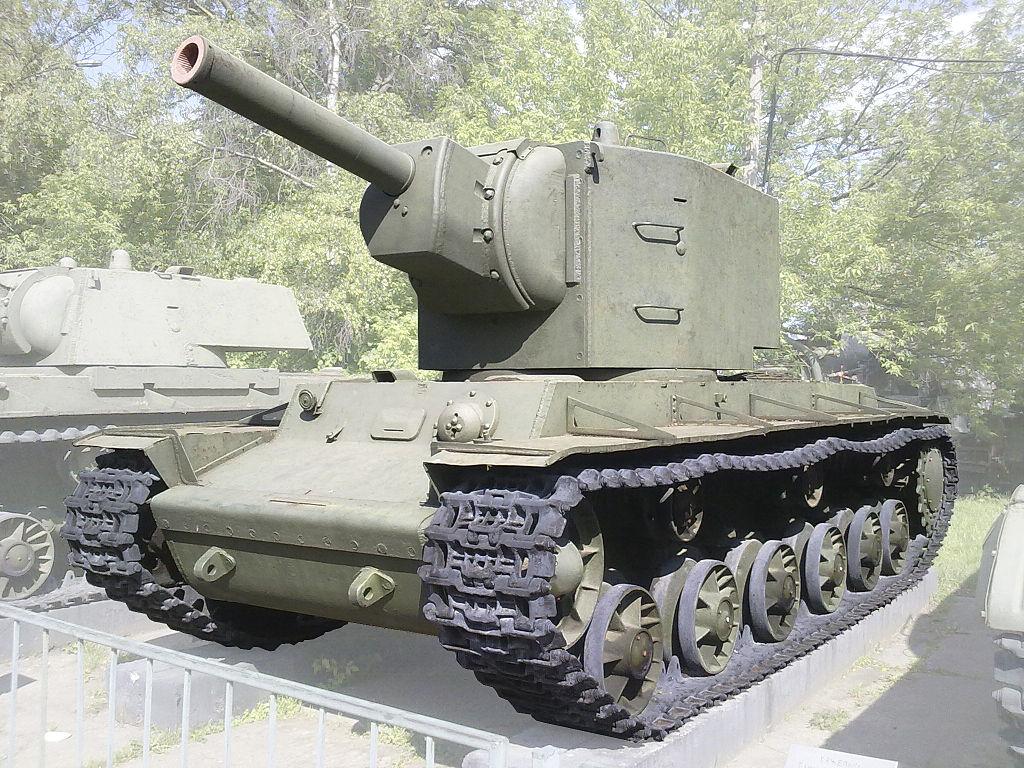 КВ-2 в Центральном музее Вооружённых Сил