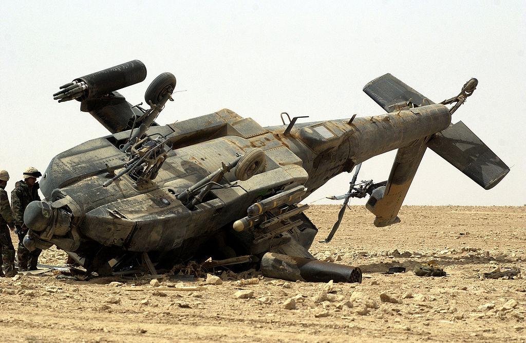 Упавший в Ираке «Апач» (позднее отремонтирован)