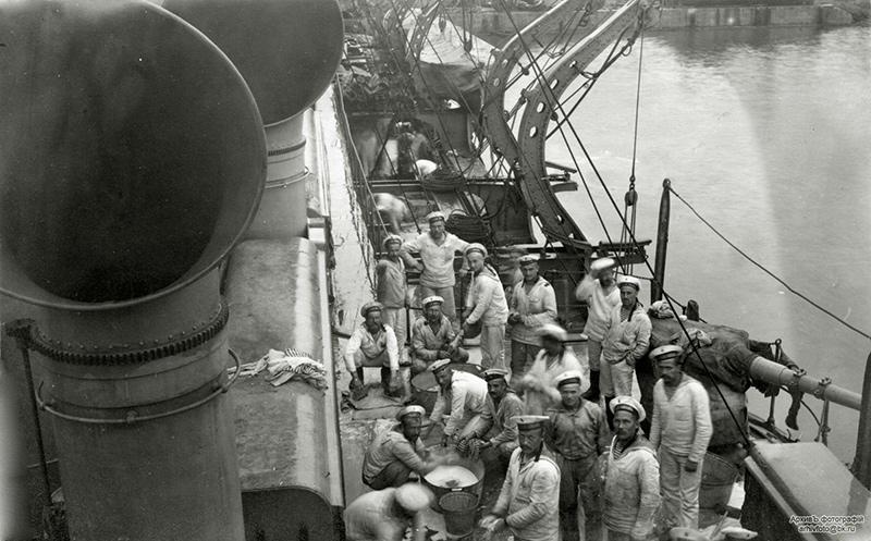Бронепалубный крейсер 'Варяг' в 1916 году