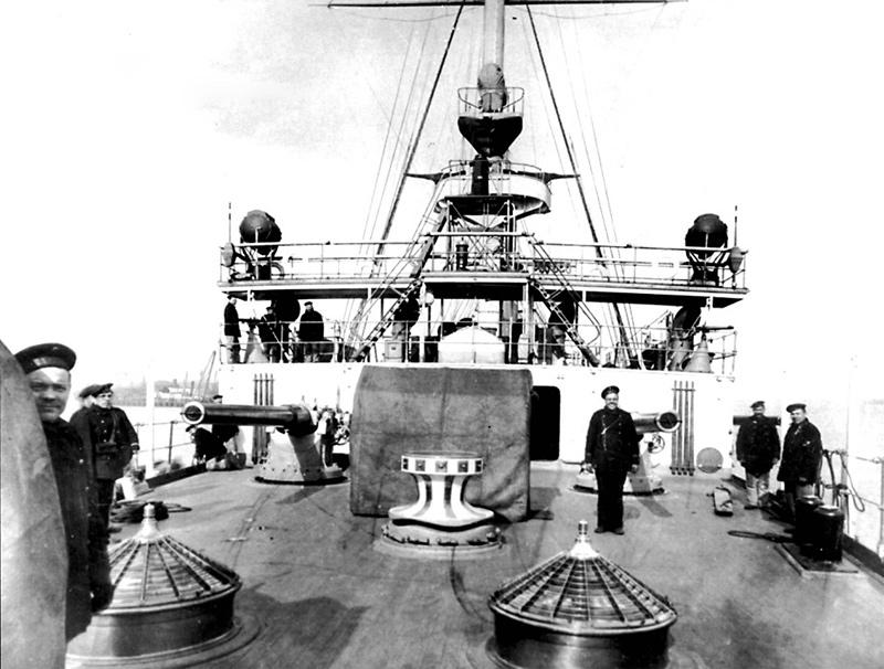 Вид с юта на кормовой мостик крейсера «Варяг»