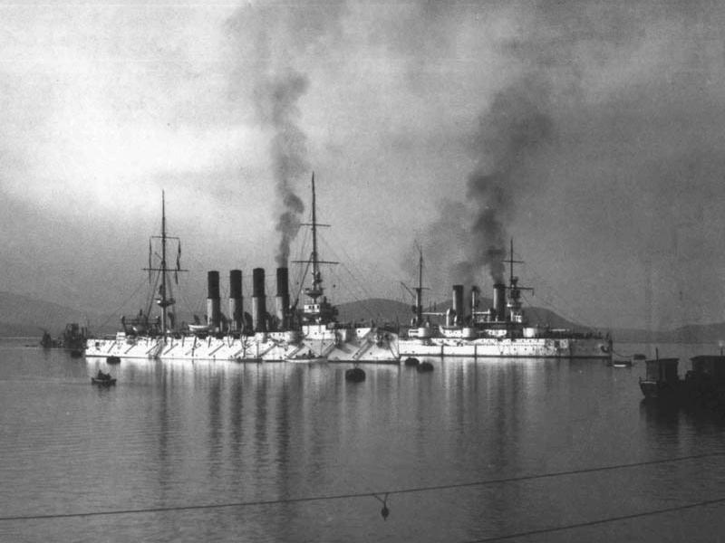 Крейсер «Варяг» и броненосец «Полтава» в Порт-Артуре - 1902 - 1903 г.г.