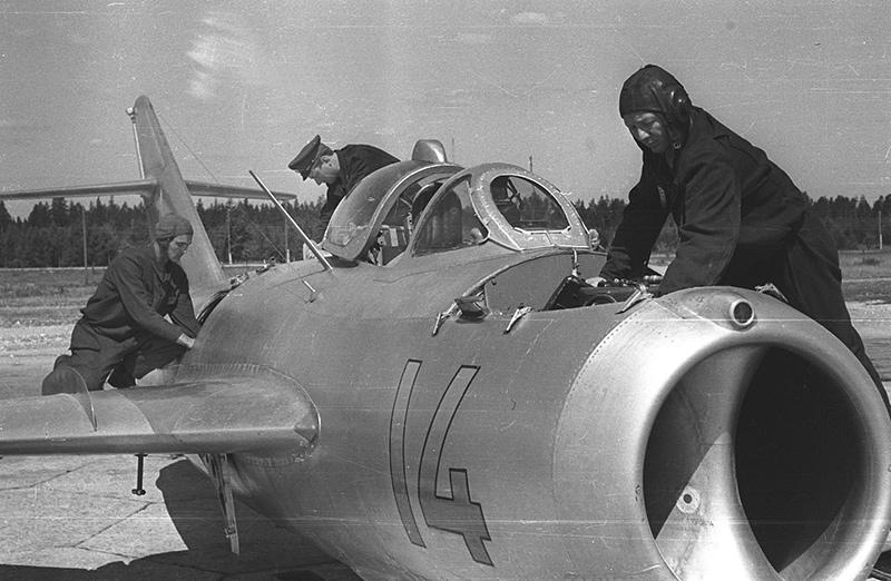 МиГ-15бис на стоянке
