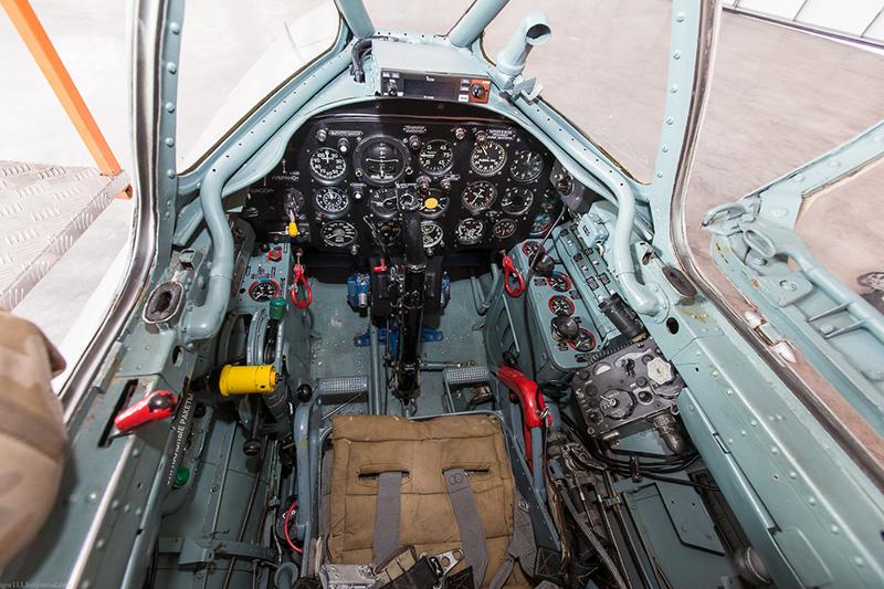 Передняя кабина МиГ-15. Она же кабина курсанта