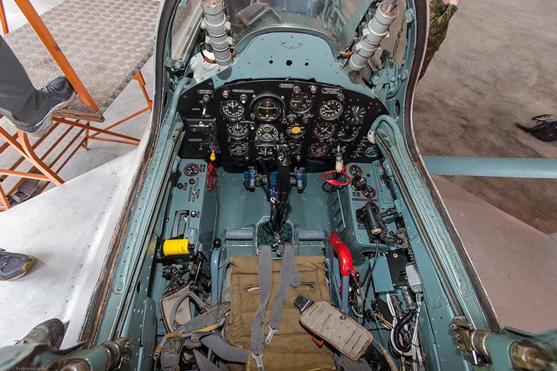 Задняя кабина МиГ-15. Она же кабина инструктора