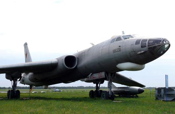 Ту-16 Дальний бомбардировщик