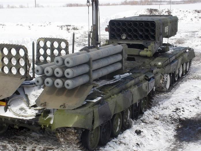 Транспортно-заряжающая машина комплекса ТОС-1А Солнцепек