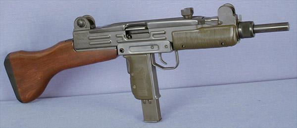 Пистолет-пулемет Uzi с деревянным прикладом