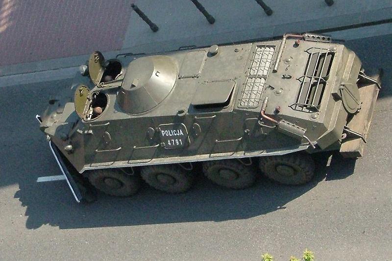 БТР-60ПБ польской полиции, с демонтированным вооружением