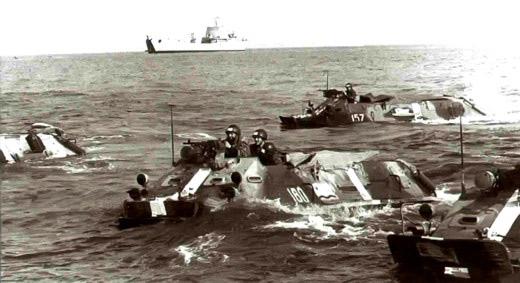 Морская пехота на БТР-60П на учениях «Юг» 17 июня 1971 г.