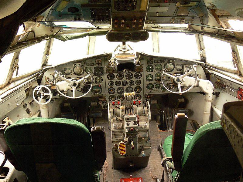Кабина Ил-18